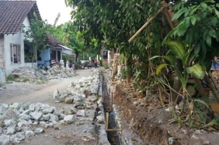 Pembangunan Saluran Drainase Kalipucang RT 04