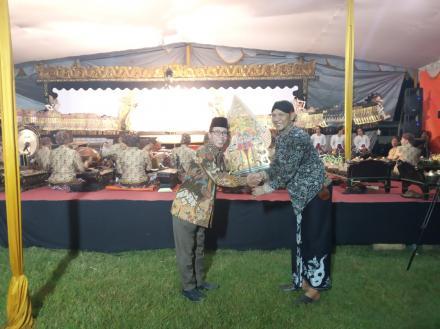 Puncak Acara Merti Dusun Pedukuhan XV Kalipucang dengan Pagelaran Wayang Kulit Ki Seno
