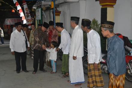 Bupati Bantul hadiri tarawih keliling di Masjid Al Yaqin Pedukuhan Ngentak Bangunjiwo