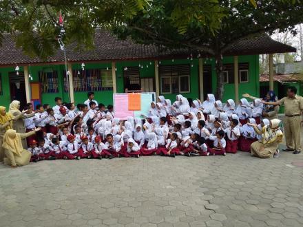 Putus Mata Rantai Perundungan dengan Deklarasi Anti Bully di SD Banyuripan