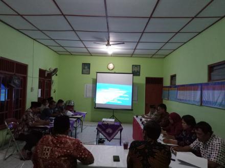 Pembahasan Raperdes Kedudukan Keuangan Lurah, Pamong, BPD dan Staf Desa Bangunjiwo