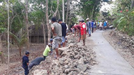Pembangunan Talud Jalan Pedukuhan Kenalan RT 05