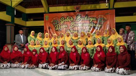 Pedukuhan Salakan menampilkan Karawitan dan Panembromo di Pendopo Bangunjiwo