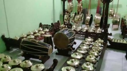 Desa Budaya Bangunjiwo menerima bantuan seperangkat gamelan dari Kundha Kabudayan DIY