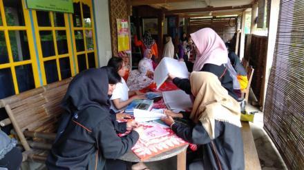 Posyandu Balita Pedukuhan Sribitan bersama KKN UST Yogyakarta