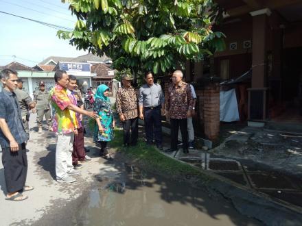 Bupati Bantul tinjau infrastruktur jalan di Desa Wisata Kasongan