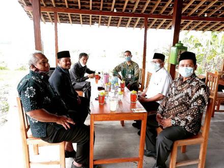 Komisi A DPRD Kabupaten Bantul mengunjungi Pendopo Kuliner Kajigelem