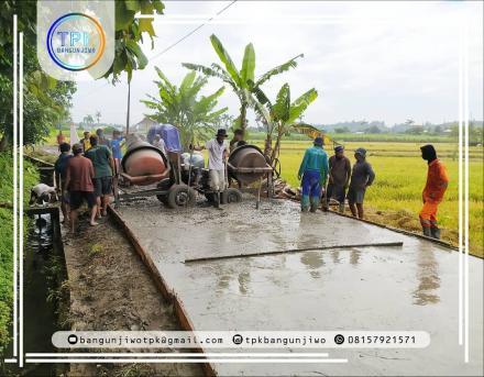 Pembangunan Fisik Corblok Jalan Donotirto