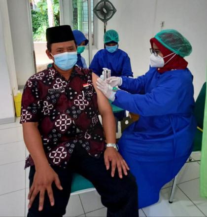 Vaksinasi  Pamong Kalurahan Bangunjiwo