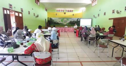 Diseminasi Temuan dan Rekomendasi Hasil Survei Program KUPK di Bangunjiwo