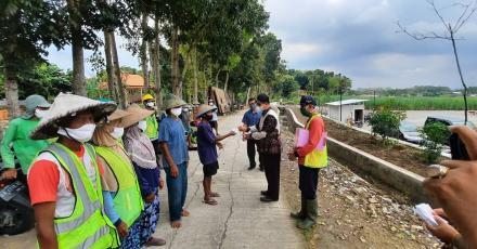 Lurah Bangunjiwo H. Parja,ST.M.Si secara resmi menutup pelaksanaan program CSW Kotaku TA 2021